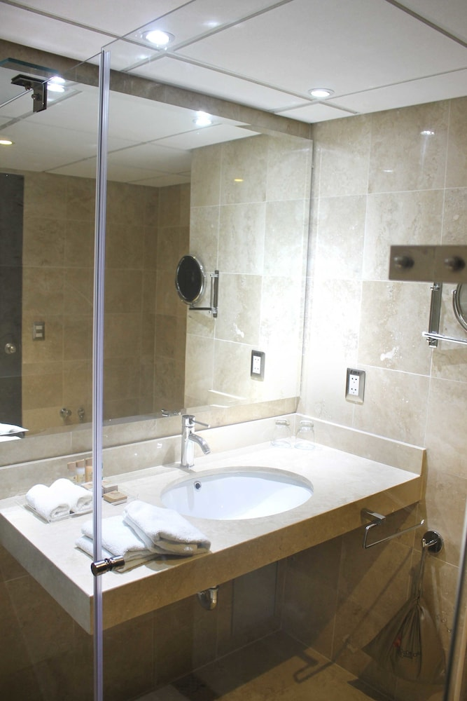 Bathroom Sink, Sol de Oro Hotel & Suites