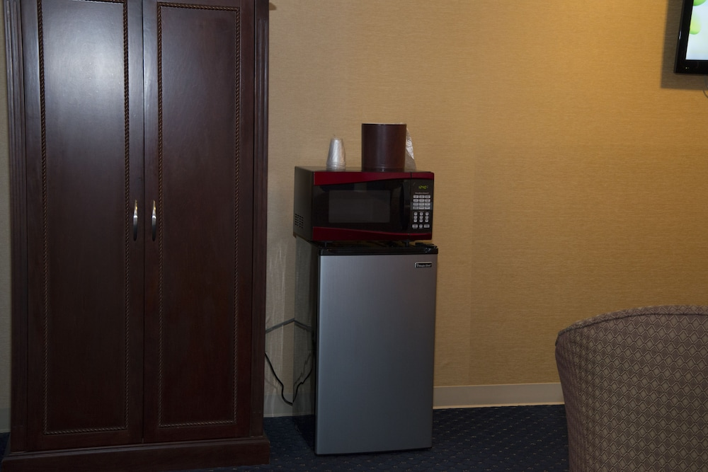 Mini-Refrigerator, Hampton Falls Inn