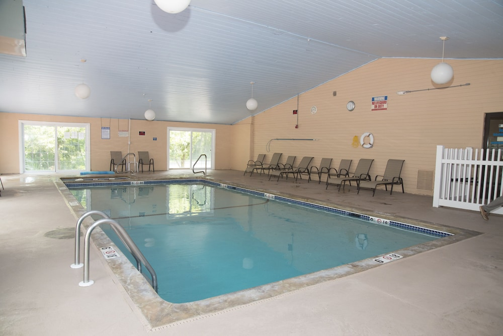 Indoor Pool, Hampton Falls Inn