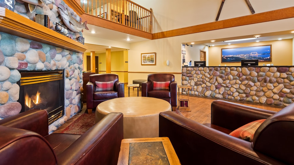 Lobby, Best Western Plus Spirit Mountain Duluth