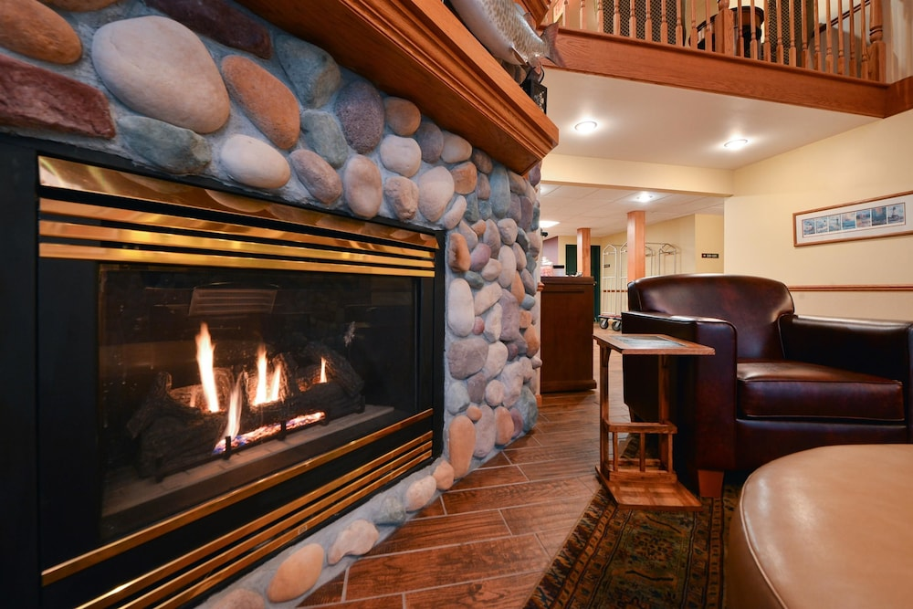 Fireplace, Best Western Plus Spirit Mountain Duluth