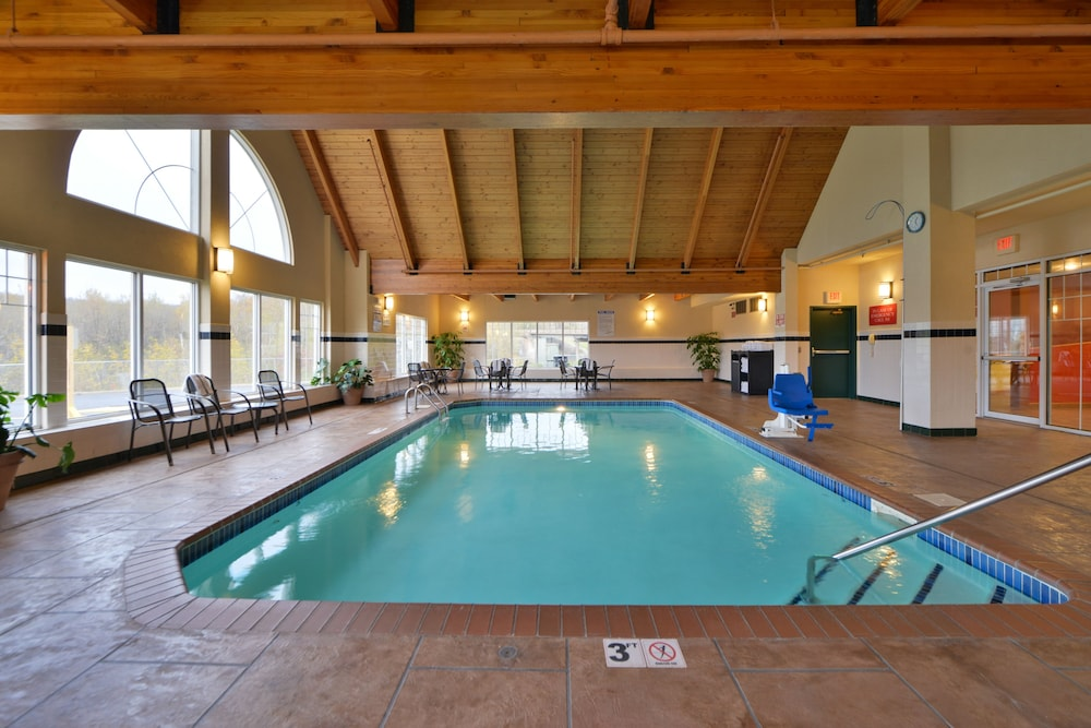 Indoor Pool, Best Western Plus Spirit Mountain Duluth
