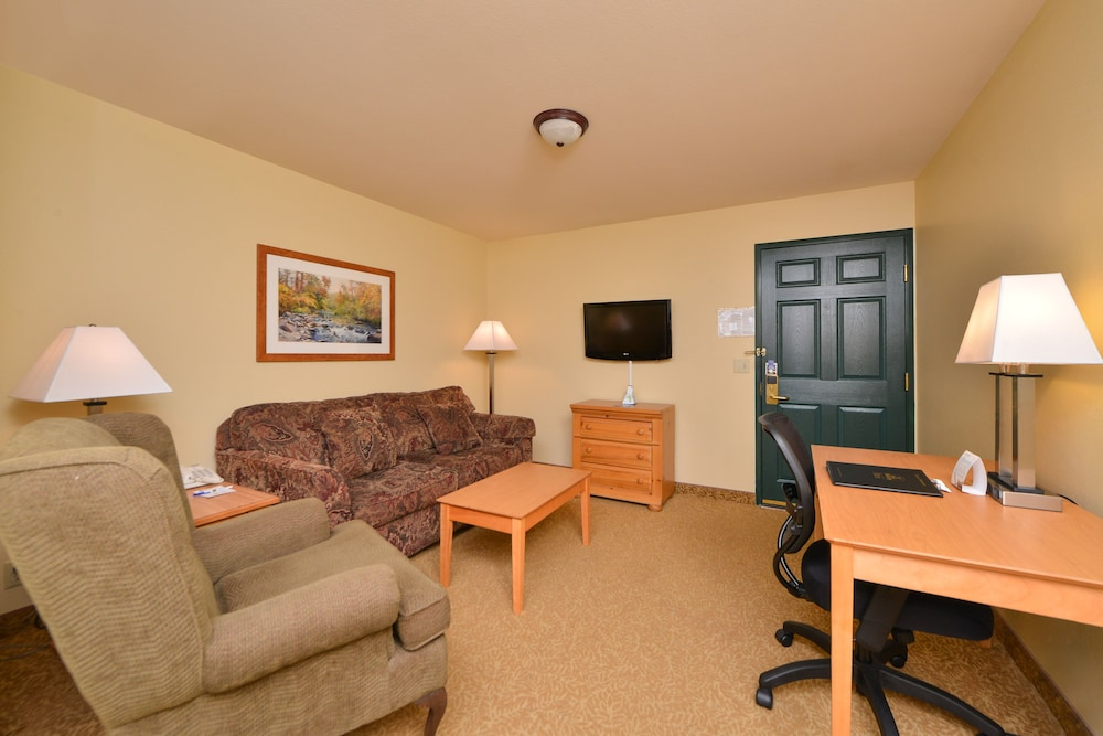 Living Room, Best Western Plus Spirit Mountain Duluth
