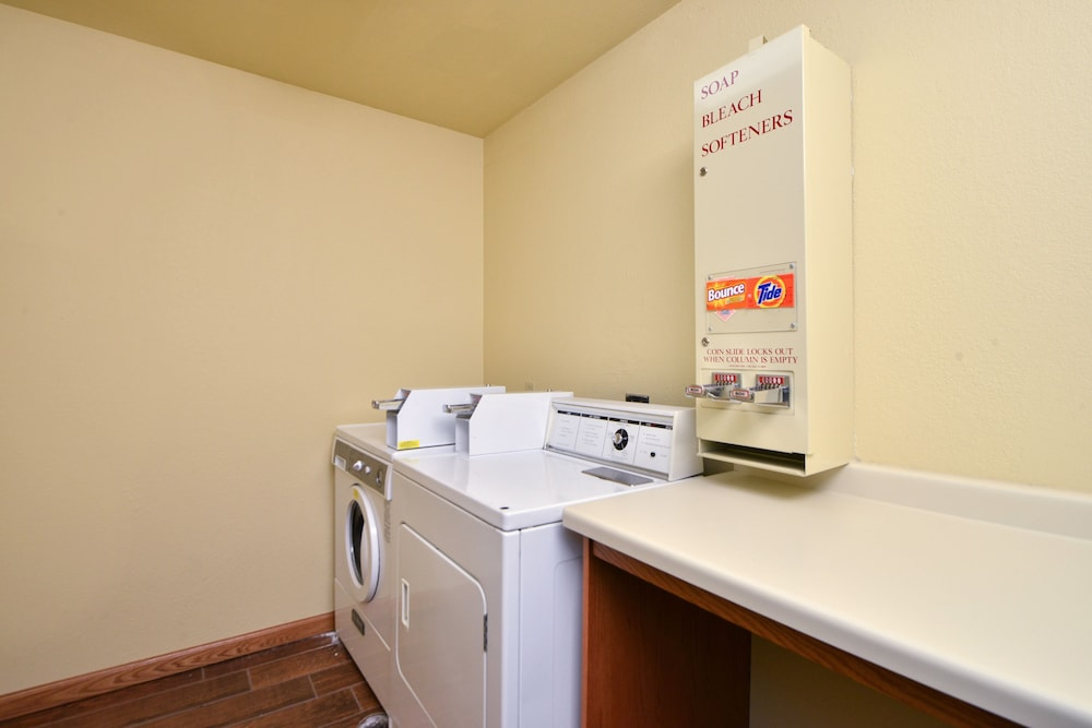 Laundry Room, Best Western Plus Spirit Mountain Duluth