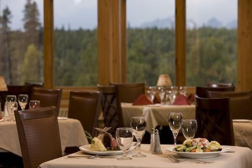 Restaurant, MT. Mckinley Princess Lodge