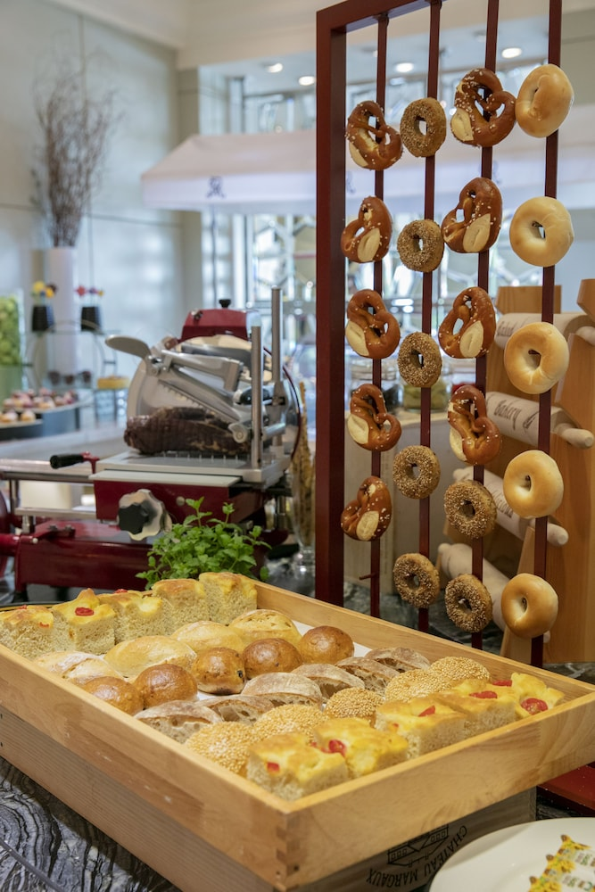 Breakfast buffet, The St. Regis Beijing