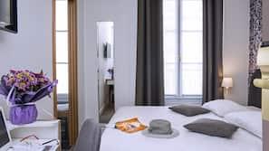 高級寢具、記憶棉床墊、迷你吧、房內夾萬