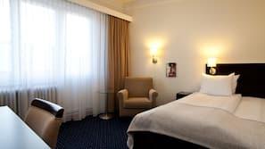 Sengetøy av topp kvalitet, skrivebord, gratis wi-fi og sengetøy