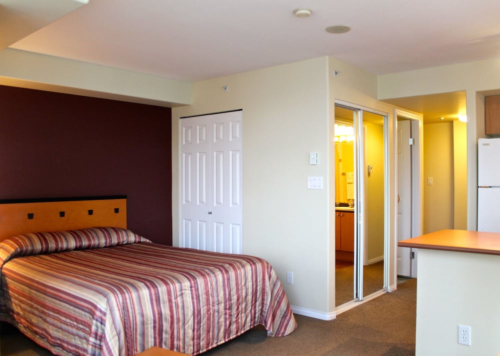 910 Beach Apartment Hotel Vancouver Can Best Price Guarantee Lastminute