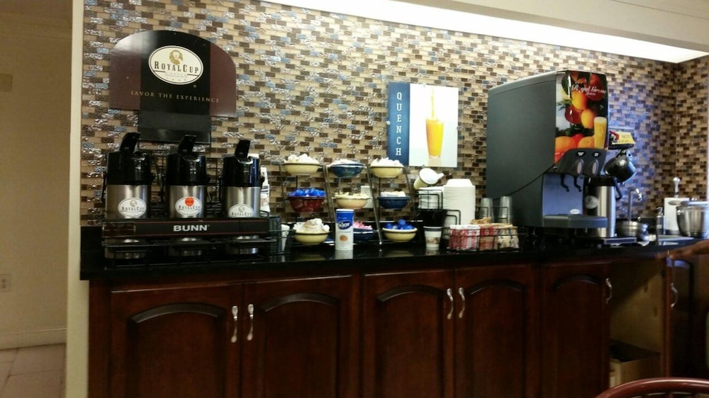 Coffee Service, Best Western Inn & Suites of Macon