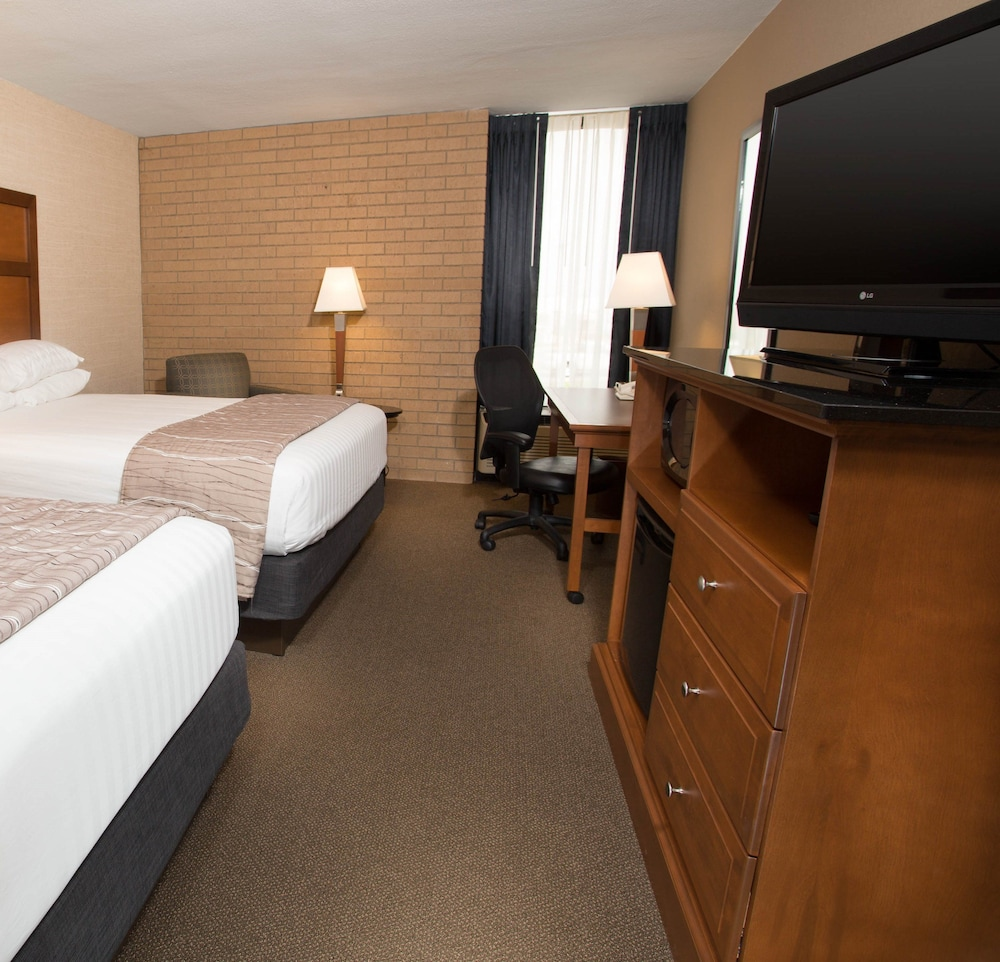 Room, Drury Inn & Suites Champaign