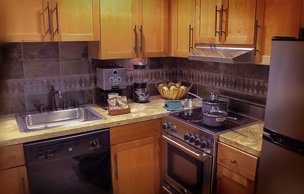 Private Kitchen, Lake Tahoe Vacation Resort by Diamond Resorts