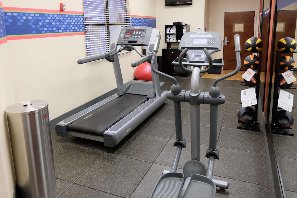 Fitness Facility, Hampton Inn Lima