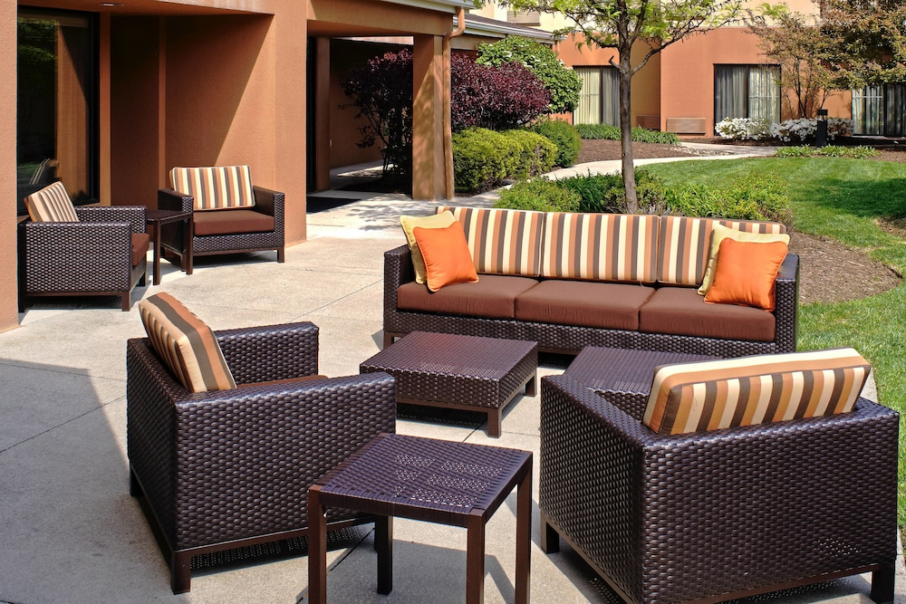 Terrace/Patio, Courtyard by Marriott Cleveland Airport North