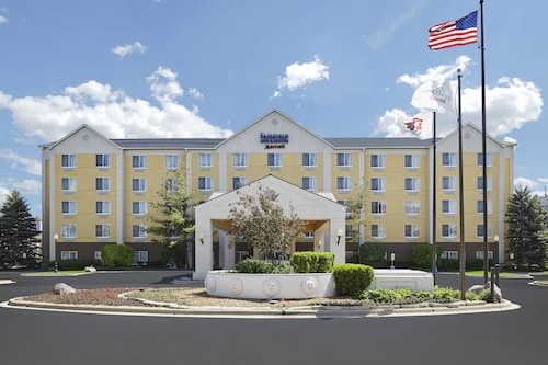 Great Place to stay Fairfield Inn and Suites by Marriott Chicago Midway Airport near Chicago