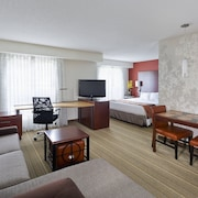 Residence Inn Houston The Woodlands / Lake Front Circle