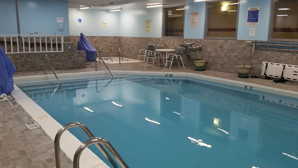 Indoor Pool, Sleep Inn & Suites - Airport