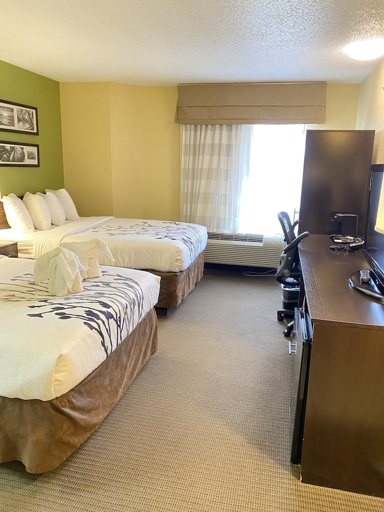 Room, Sleep Inn & Suites - Airport