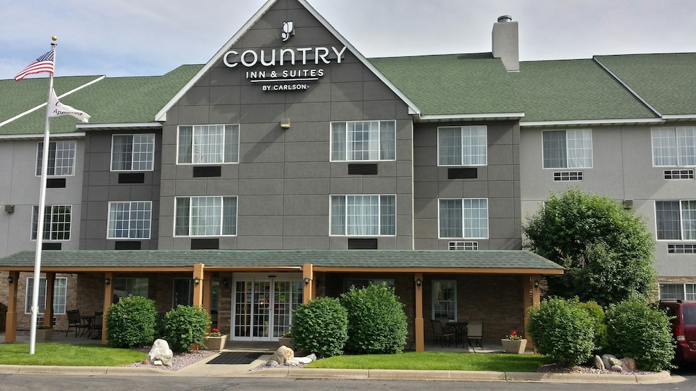 Exterior detail, Country Inn & Suites by Radisson, Minneapolis/Shakopee, MN