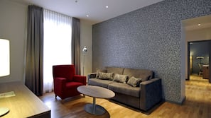 Premium-sengetøj, senge med topmadrasser, minibar, skrivebord