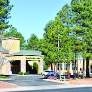 GreenTree Inn & Suites in Pinetop