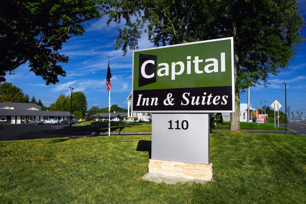 Front of Property, Capital Inn & Suites