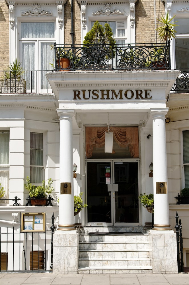 Property Entrance, Rushmore Hotel