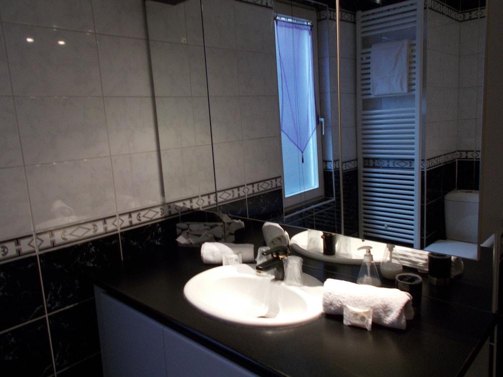 inter hotel strasbourg gare le bristol deals reviews strasbourg fra wotif. Black Bedroom Furniture Sets. Home Design Ideas