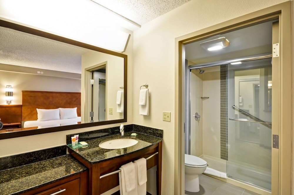 Bathroom, Hyatt Place Albuquerque/Uptown
