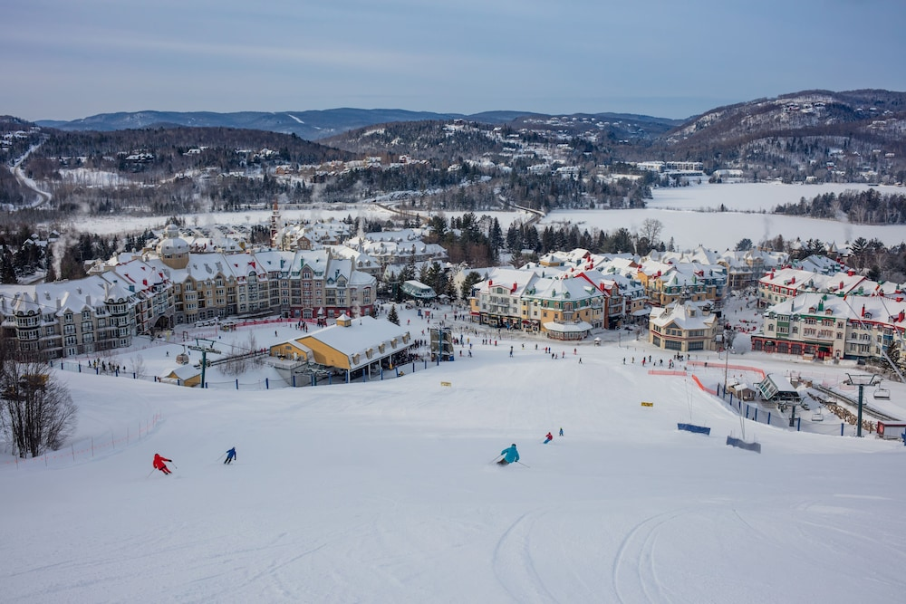 Skiing, Residence Inn by Marriott Mont Tremblant Manoir Labelle