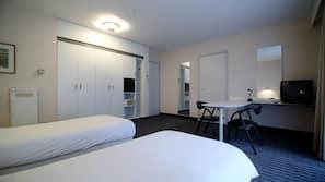 Minibar, Zimmersafe, Schreibtisch, kostenloses WLAN