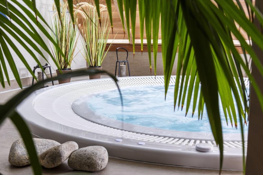 Best western les bains h tel spa perros guirec deals for Les bains de lea spa