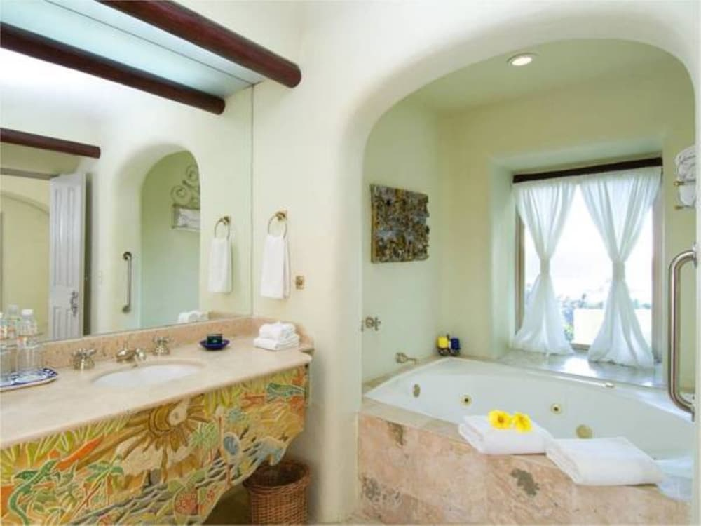 Bathroom, Quinta Real Huatulco