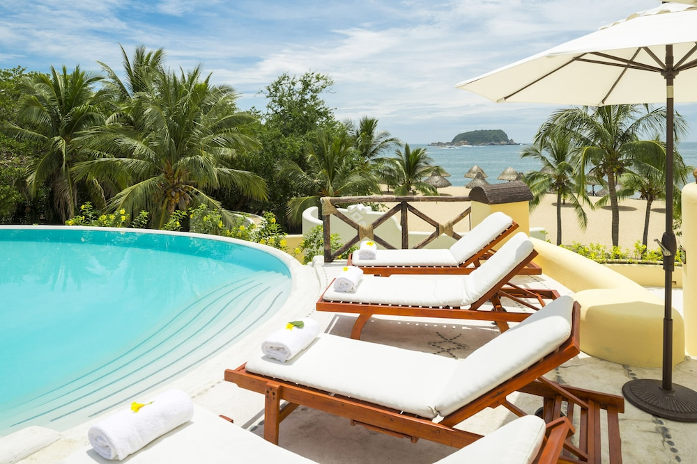 Outdoor Pool, Quinta Real Huatulco