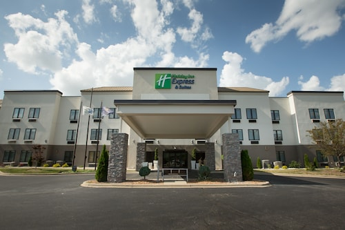 Holiday Inn Express Hotel & Suites Madison