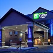 Holiday Inn Express Hotel & Suites St. Paul-Woodbury