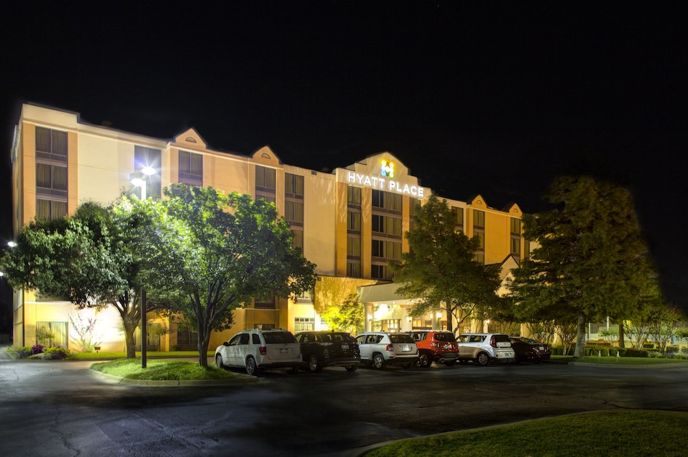 Front of Property - Evening/Night, Hyatt Place Oklahoma City Airport