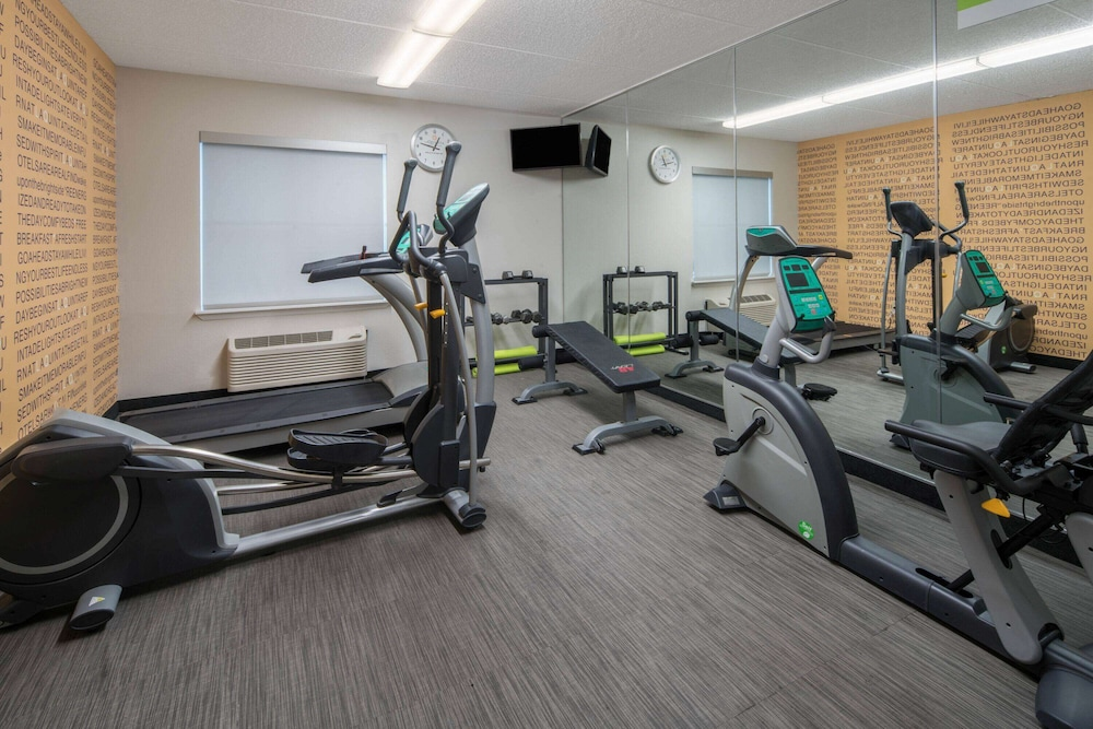 Fitness Facility, La Quinta Inn & Suites by Wyndham Naples East (I-75)