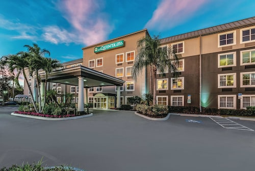 La Quinta Inn & Suites by Wyndham Naples East (I-75)