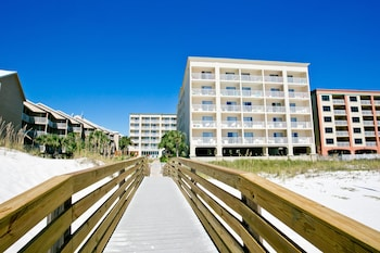 Gulf shores vacations package save up to 603 in 2017 for Hilton garden inn gulf shores al
