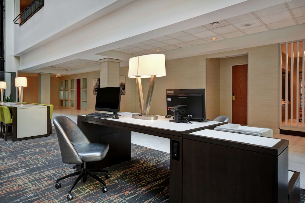 Business Center, Embassy Suites Little Rock