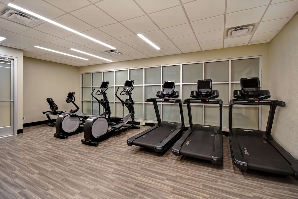 Fitness Facility, Embassy Suites Little Rock
