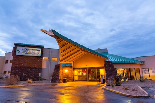 Hotels Near Grand Canyon >> Hotels Near Grand Canyon Caverns Tours Peach Springs Find