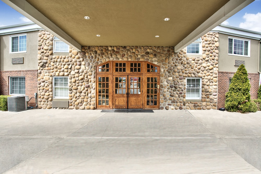 Property Entrance, Best Western Mountain View Inn