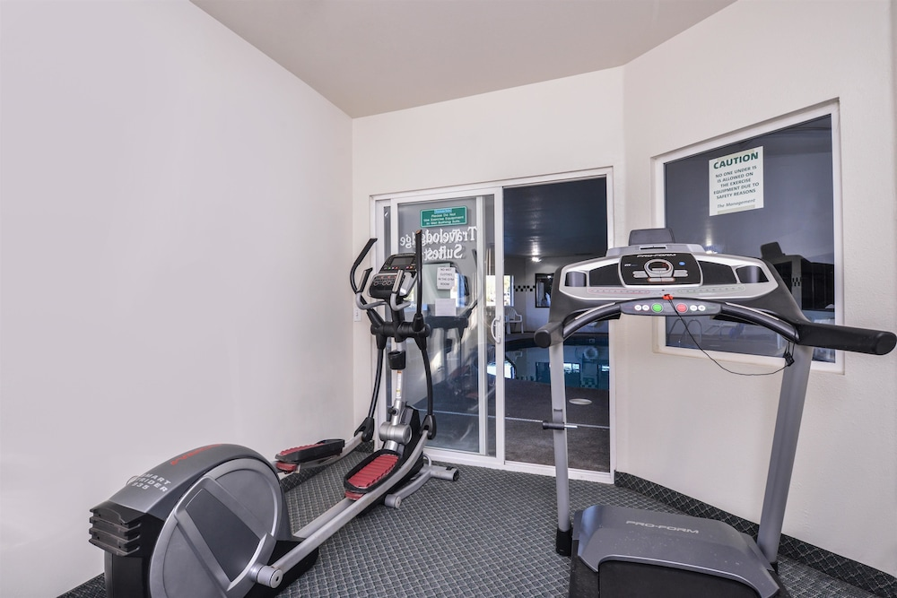 Fitness Facility, Travelodge Suites by Wyndham Newberg