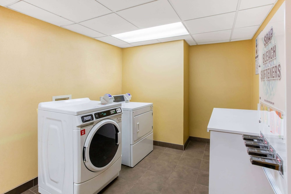 Laundry Room, La Quinta Inn & Suites by Wyndham Raleigh Cary