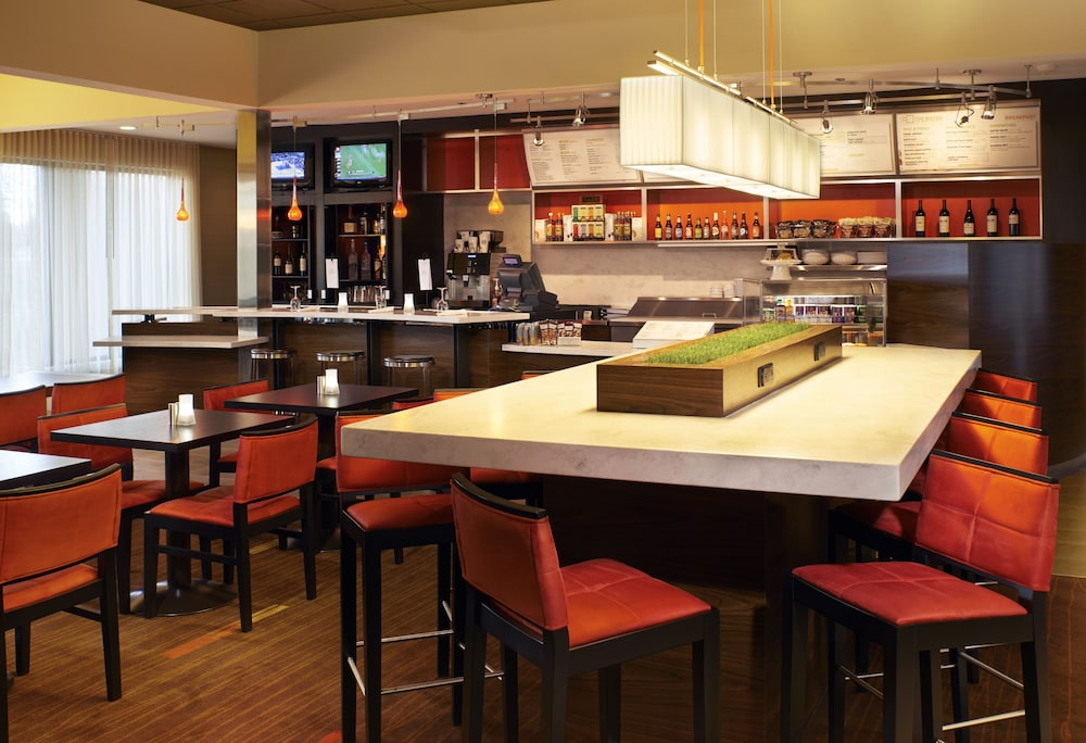 Bar, Courtyard by Marriott Birmingham Colonnade/Grandview