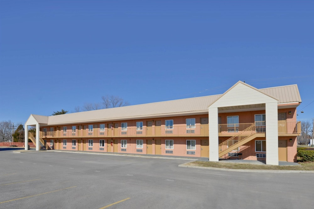 Property Grounds, Americas Best Value Inn Marion, IL