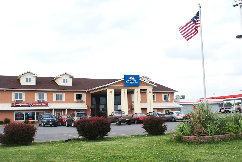 Property Entrance, Americas Best Value Inn Marion, IL