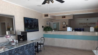 Holiday Lodge & Suites - Sunset Plaza - Fort Walton Beach